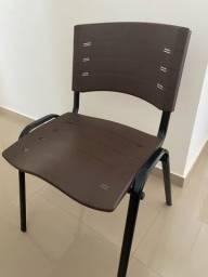Vendo 3 cadeiras de escritório