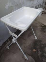 Banheira usada grande com suporte para sentar marca Burigotto