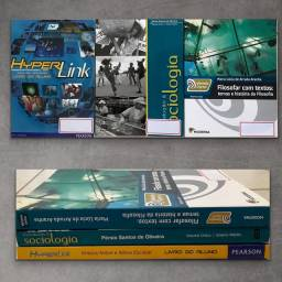 3 livros de ensino médio por $100