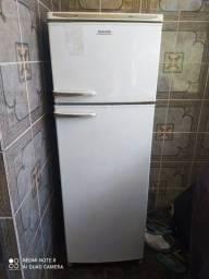 Título do anúncio: geladeira dako