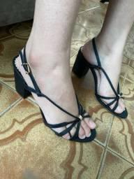 Título do anúncio: Sandálias de salto