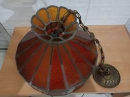 Lustre antigo faltando um acrílico ou vidro