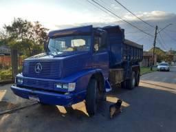 Mercedes caçamba