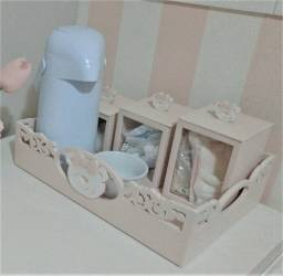 Bandeja Kit Higiene Ursa + 3 potes + Agueiro + Garrafa Térmica. Do ateliê Rita Hosken