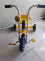 Vendo um triciclo infantil