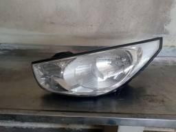 Farol Esquerdo Carona Hyundai IX35 Simples Deralhe