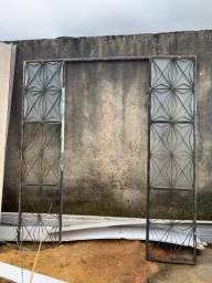 Vende-se esta porta de vidro