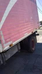 Caminhão Baú 1990