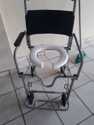 Cadeira de banho.