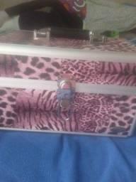 Vende-se maleta vazia,obs nova tamanho grande