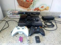 Xbox 360 super slim 4gb original bloqueado