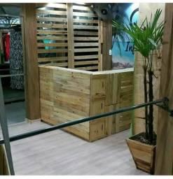 Monte sua loja com madeira palet pinus