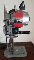 Máquina de Cortar Tecidos Singer