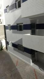 Apartamento Candeias a 100 da avenida em frente ao verde R$ 850