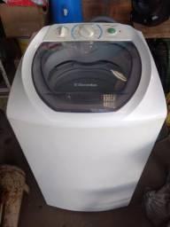 Vendo uma máquina de lavar roupa Electrolux