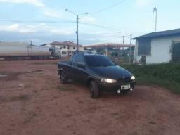 Carro modelo Strada - 2000