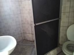 ALugo Casa c/ Sala quarto cozinha Wc àrea 300,00