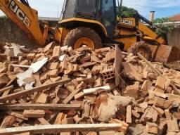 Limpeza de terreno , demolição e locação retro escavadeira