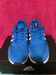 Tênis Adidas Retrorunner