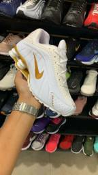 Nike R4