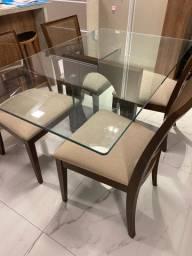Linda Mesa com 4 Cadeiras!