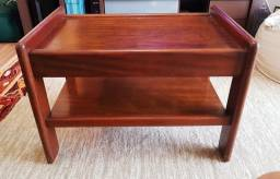 Mesa de centro ou de canto em madeira