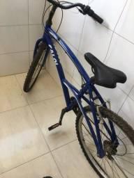 Bicicleta usada poucas veses