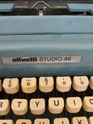 Máquina de Escrever Olivetti 46