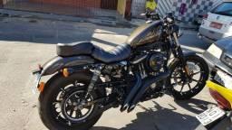Vendo moto Harley Davidson em dias