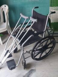Título do anúncio: Vendo cadeira de rodas e moletas