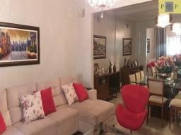 Casa com 2 pavimentos, térreo e primeiro andar, independentes, a casa térrea 2 quartos e c