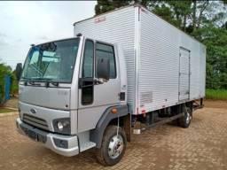 Caminhão Ford Cargo Baú