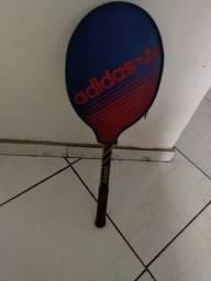 Raquete Adidas profissional