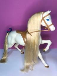 Cavalo da boneca Barbie estrela