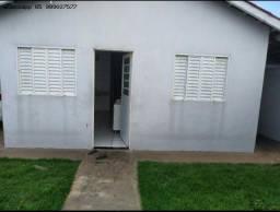 Casa para Locação em Várzea Grande, Novo Mundo, 2 dormitórios, 1 suíte, 2 banheiros, 2 vag