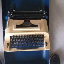 Máquina de escrever Remington 20 usada