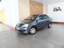 Toyota - Etios 1.5 xs sedan manual 4 portas ano 2013 completo manual 4 portas