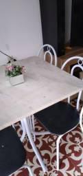 Mesa com tampo de Marmore 4 lugares