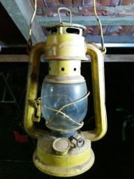 Lampiao antigo a querosene