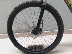 Par de rodas aro 29 cubos Shimano.