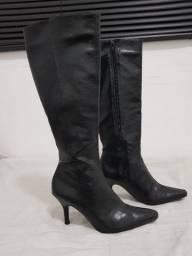 Bota fashion preta Beira Rio