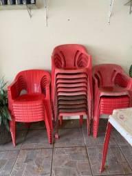 Mesa e cadeiras de festa