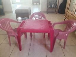 Conjunto mesa com cadeira plástico infantil