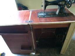 Máquina de costura singer restaurada