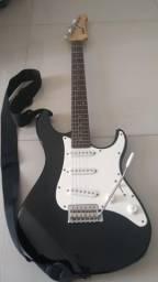 Guitarra Yamaha novíssima + pedaleira