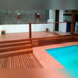 Deck para piscinas.