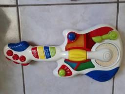 Guitarra eletrônica bebê
