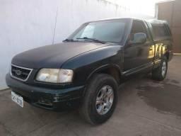 R$17,000 Chevrolet S10 a gasolina com capota de fibra - 1997