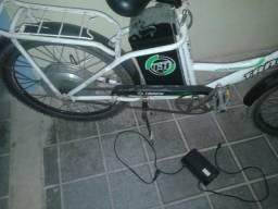 Vendo uma linda bicicleta elétrica