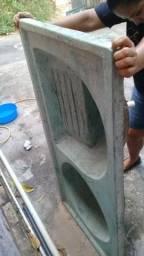 Tanque de lavar roupa de concreto com duas cubas